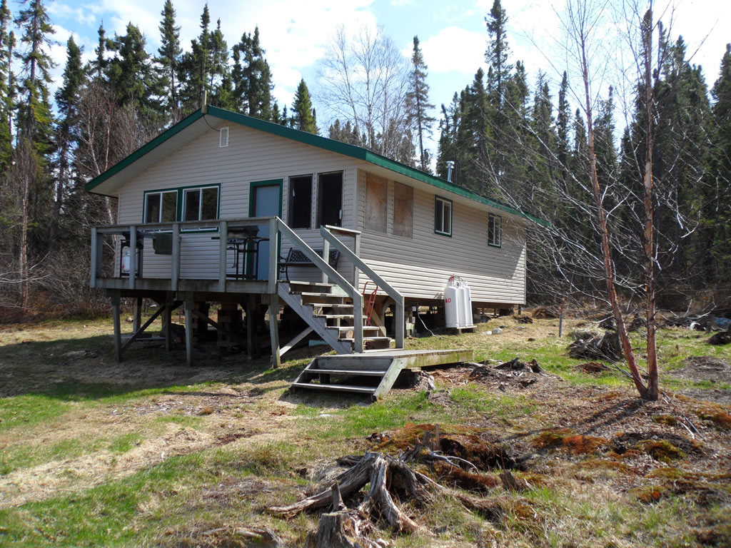 Fly in fishing lodges near hurst lake in northern ontario for Ontario fishing lodges