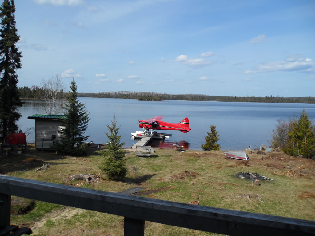 Fly in fishing lodges near hurst lake in northern ontario for Ontario fishing resorts